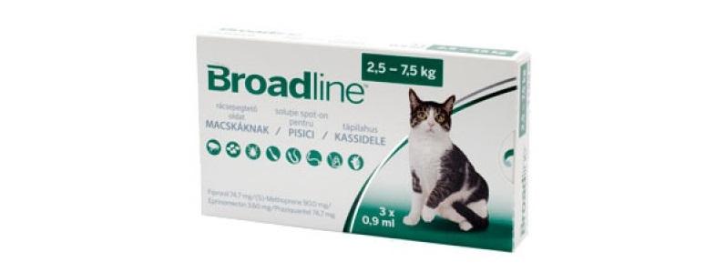 Cutie cu trei pipete antiparazitare Broadline pentru pisici de 2.5 - 7.5kg pe fundal alb