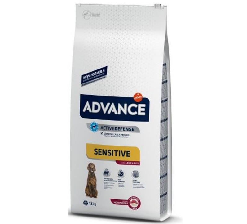 Punga cu hrana Advance Dog Sensitive pe fond alb